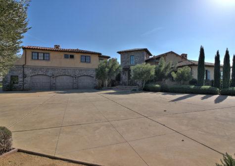 Vineyard Esate – 7400 Pacheco Pass Hwy