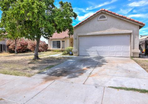 Move in Ready 3 Bedroom Home with Den in Los Banos, CA
