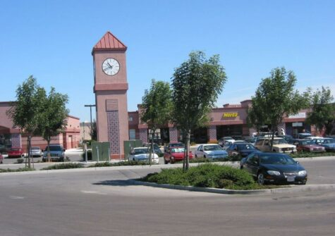 Multi Unit Retail Shopping Center in Hollister, CA – Clock Tower Plaza