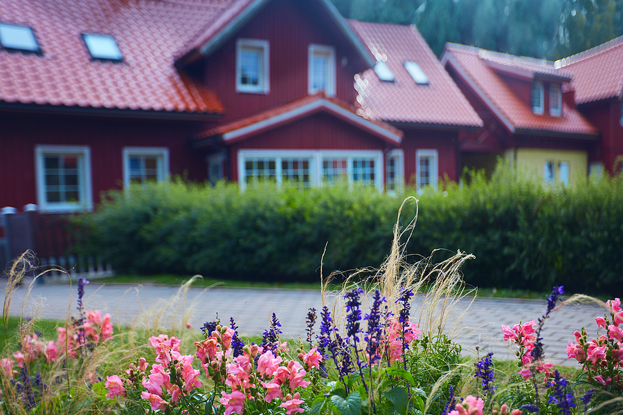 How To Successfully Market Your Farm House For Sale In California