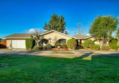 273 Donald Drive Hollister, CA 95023