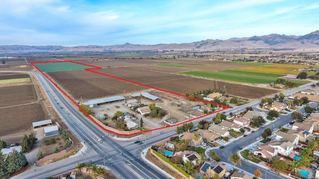 66 Acres of Farm Land with 6 Residences, Multiple Equipment Buildings, Close to City Limits – Hollister, CA