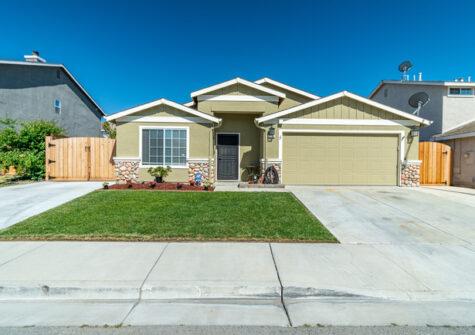 2351 Driftwood Court Hollister, CA 95023